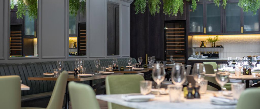 11 Cadogan Gardens - Restaurant Tables