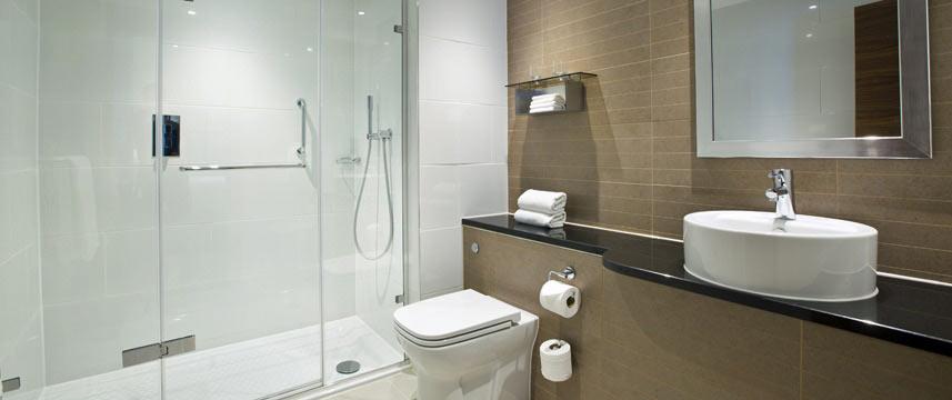 Amba Hotel Charing Cross - Bathroom