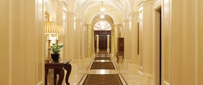 Amba Hotel Charing Cross - Corridor