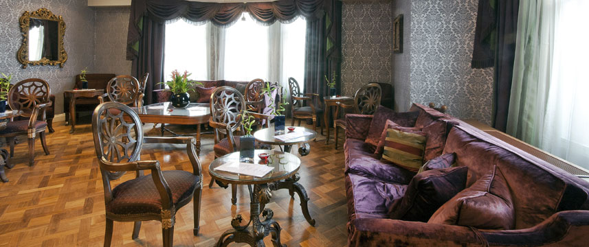Ashburn Hotel - Drawing Room
