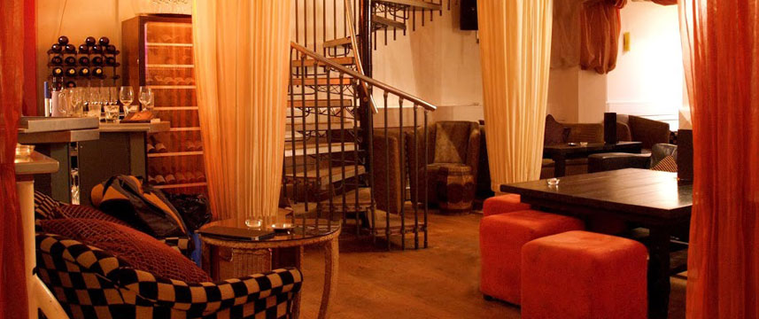 Berkeley Square Hotel - Lounge Stairs