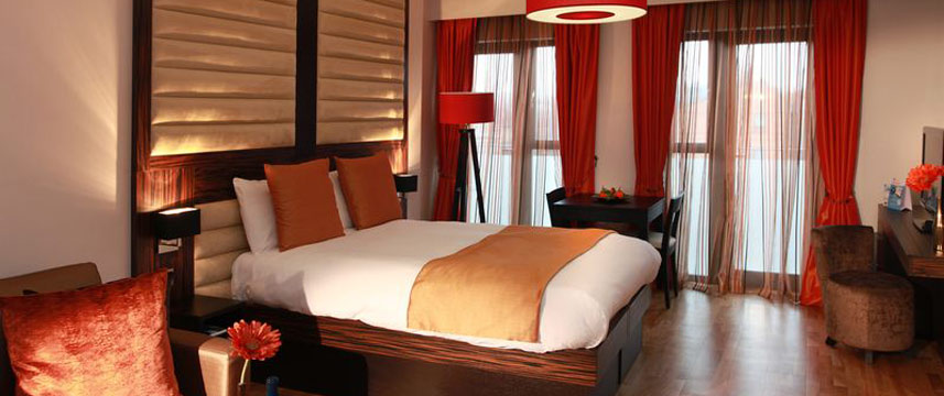 Best Western Maitrise Suites and Apartments - Bed area