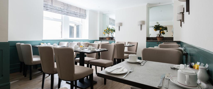 Blandford Hotel - Breakfast Tables