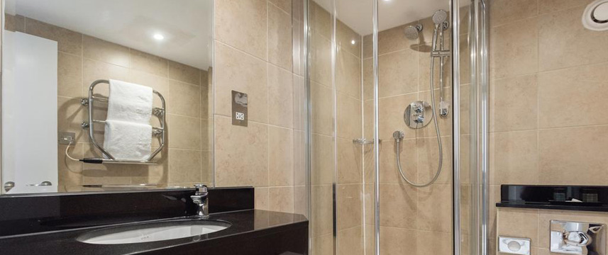 Blandford Hotel - Shower Room