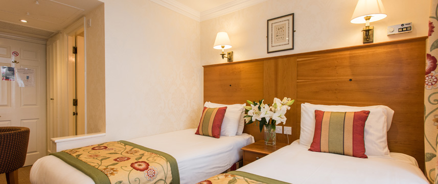 Byron hotel london 57 off hotel direct for 36 38 queensborough terrace