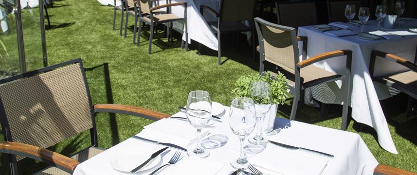 Chiswick Moran Hotel - Restaurant Terrace