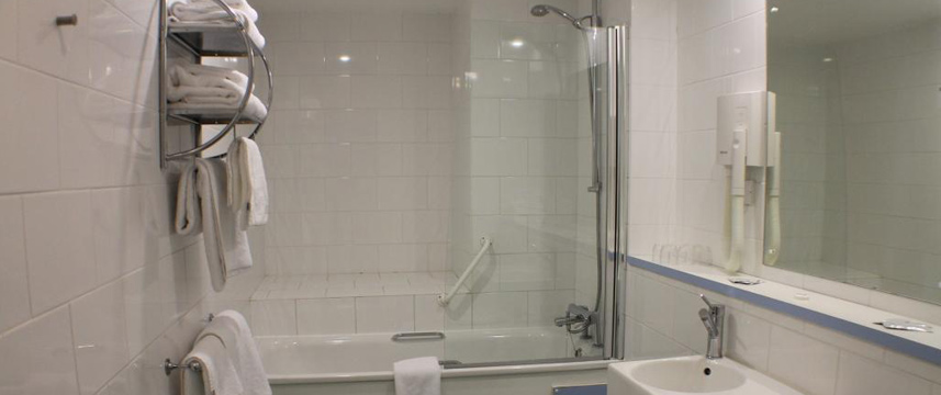 Citrus Hotel Eastbourne - Bathroom