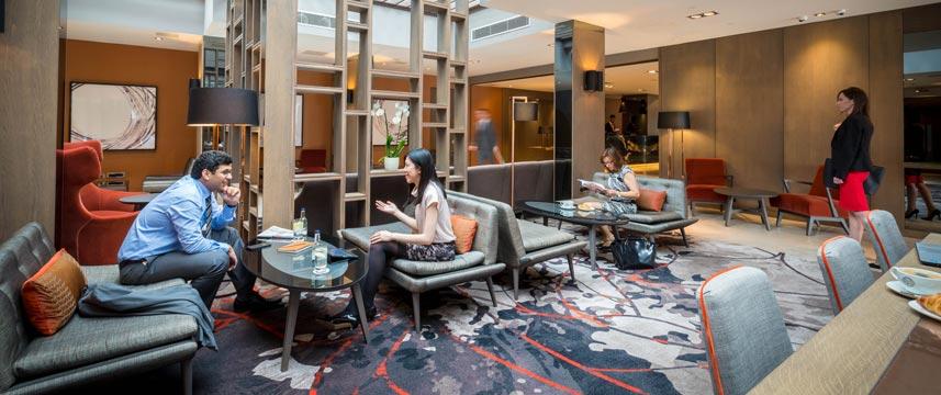 Clayton Hotel Chiswick - Hotel Lobby