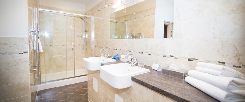 Columba Hotel Inverness - Shower