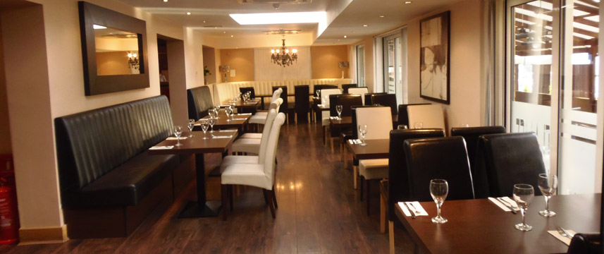 Comfort Hotel Finchley - Restaurant Seating