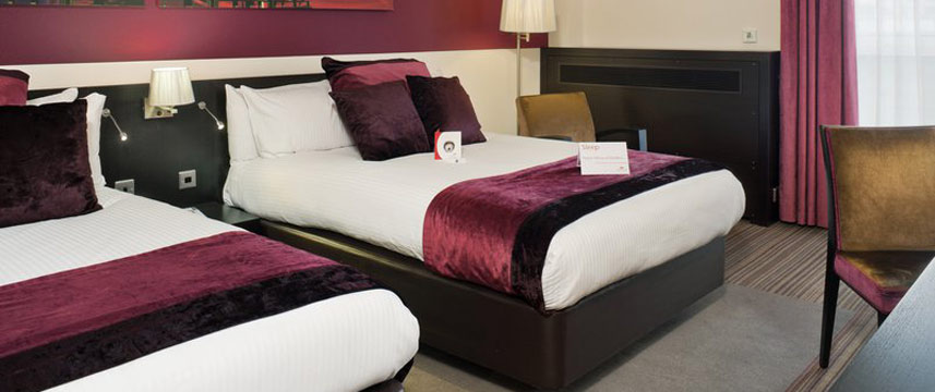 Crowne Plaza Birmingham Twin Bedroom