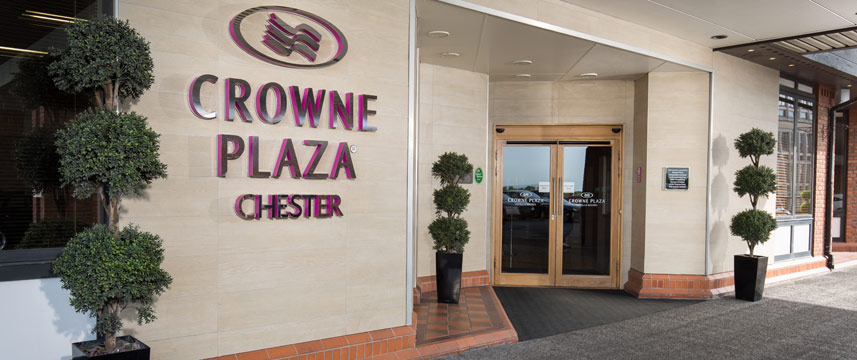 Crowne Plaza Chester - Entrance