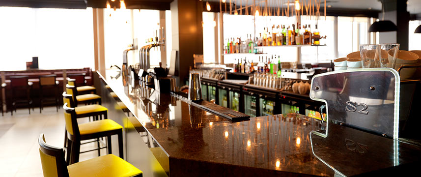 Crowne Plaza Chester - Stables Bar