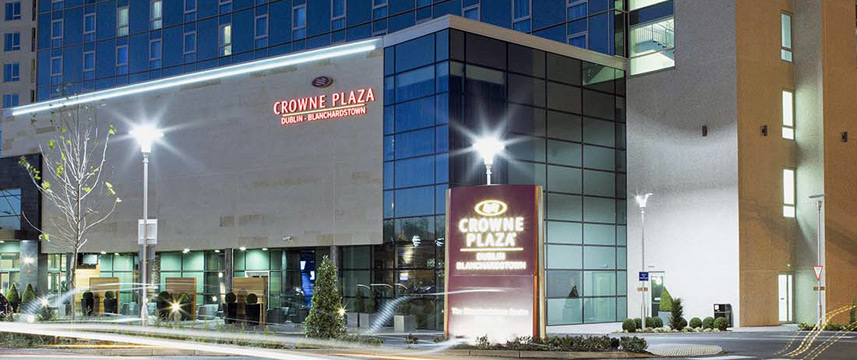 Crowne Plaza Dublin Blanchardstown - Exterior Night