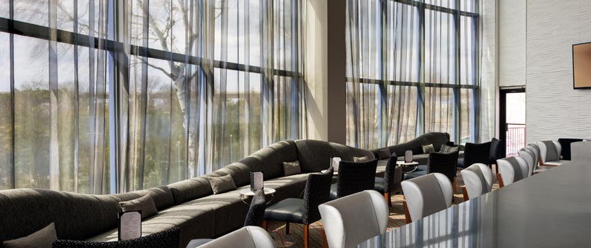 Crowne Plaza JFK Airport - Lounge