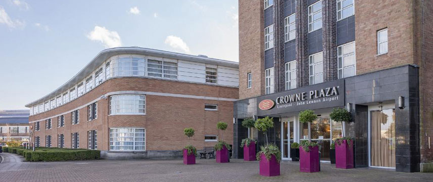 Crowne Plaza Liverpool John Lennon Airport - Exterior