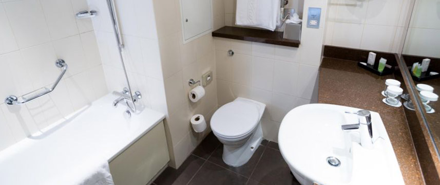 Crowne Plaza London Ealing - Ensuite