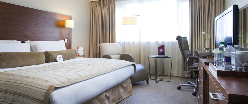 Crowne Plaza Manchester Airport - Bedroom