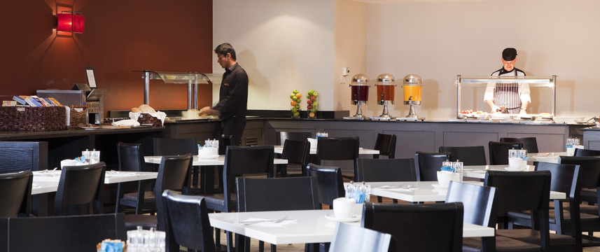 Crowne Plaza Manchester Airport - Breakfast Area