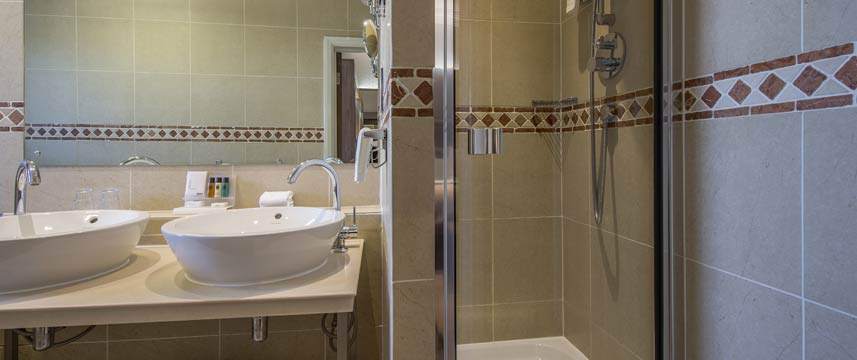 Crowne Plaza Sheffield Bathroom Shower