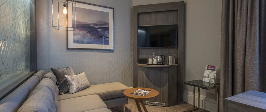 Crowne Plaza Sheffield Junior Suite Lounge
