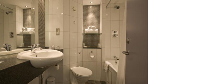 Days Hotel London North M1 - Bathroom