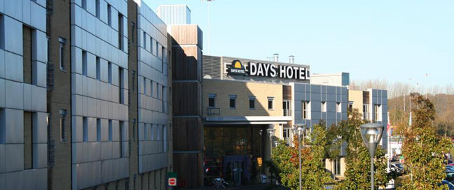 Days Hotel London North M1 - Exterior