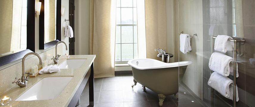 De Vere University Arms Hotel - Suite Bathroom