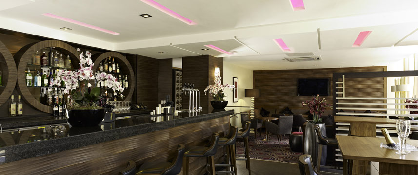 DoubleTree by Hilton London Victoria - Bar Seats