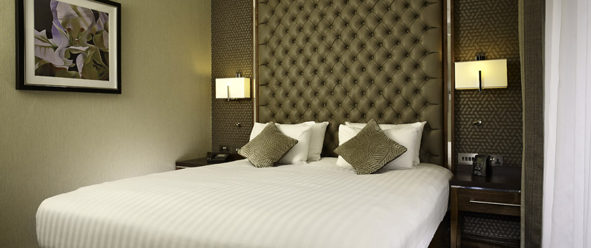 DoubleTree by Hilton London Victoria - Bedroom
