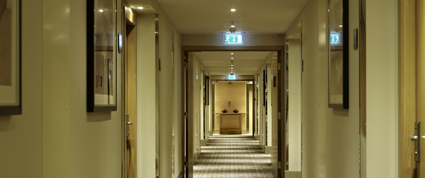 DoubleTree by Hilton London Victoria - Corridor