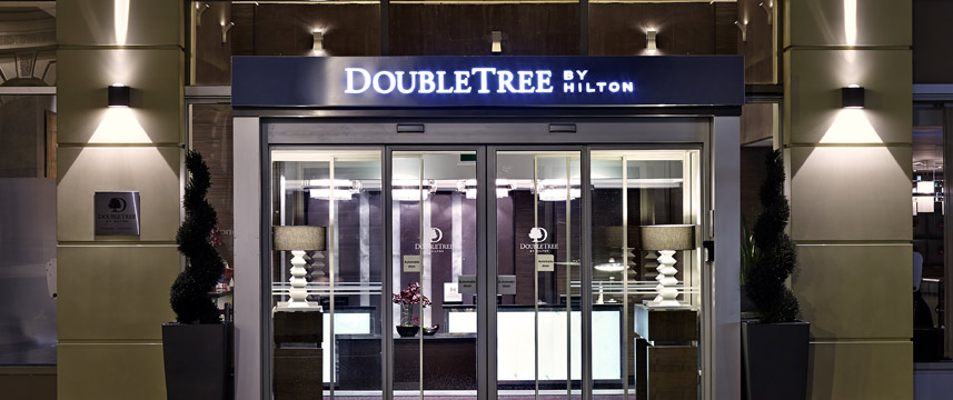 DoubleTree by Hilton London Victoria - Entrance