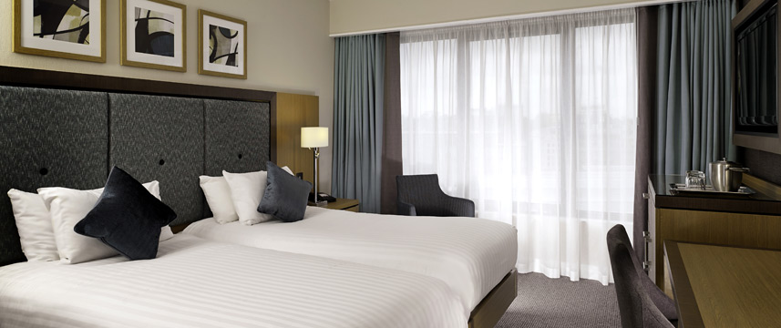 DoubleTree by Hilton London Victoria - Twin Room