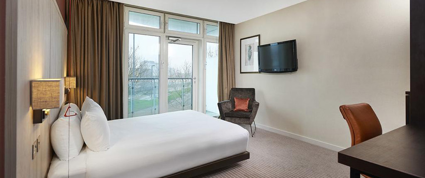 Doubletree By Hilton London Excel - Accessible Queen Room