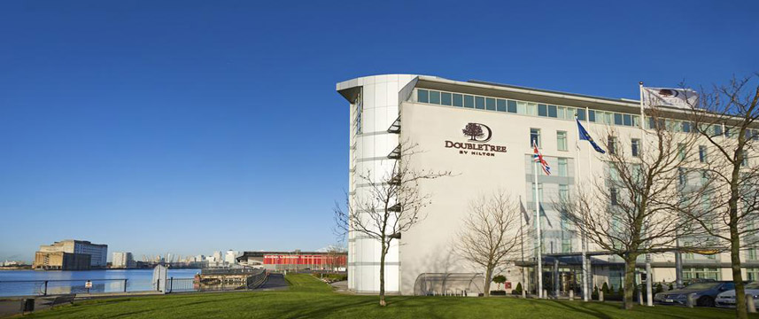 Doubletree By Hilton London Excel - Exterior