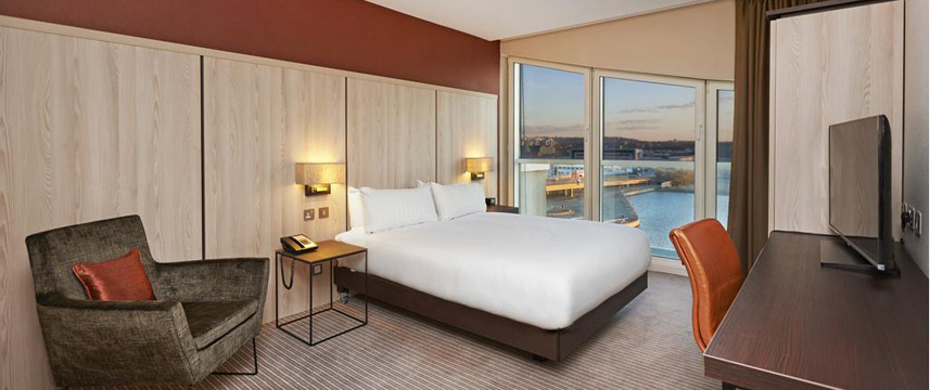 Doubletree By Hilton London Excel - King Deluxe River View