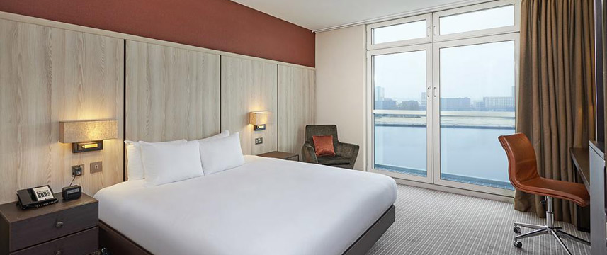 Doubletree By Hilton London Excel - Queen Delulxe River View