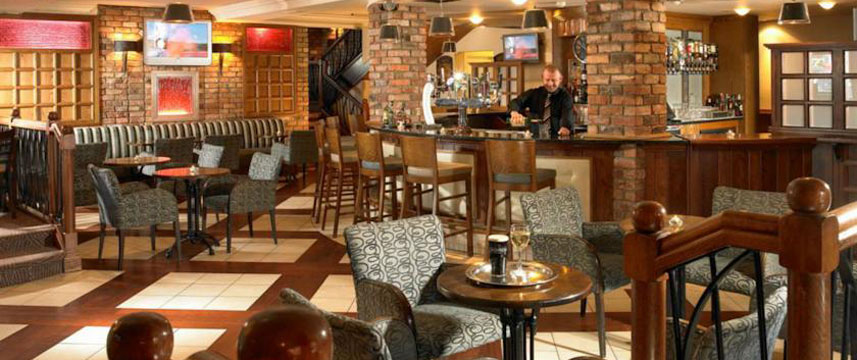 Dromhall Hotel - Bar Area