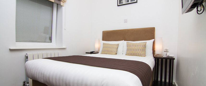 Euston Square Hotel - Double Bedroom