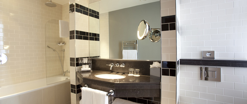 Grosvenor Deluxe Bathroom