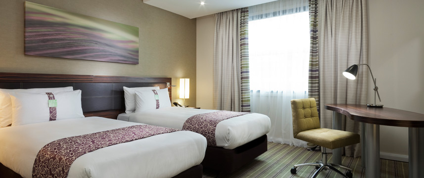 Holiday Inn Commercial Road - Twin room