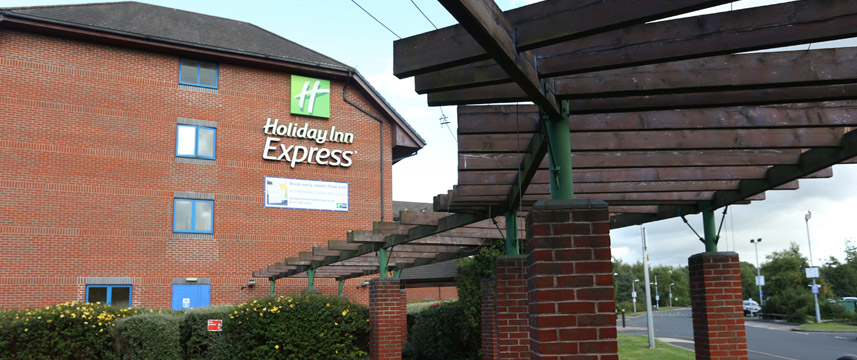 Holiday Inn Express Birmingham NEC - Entrance