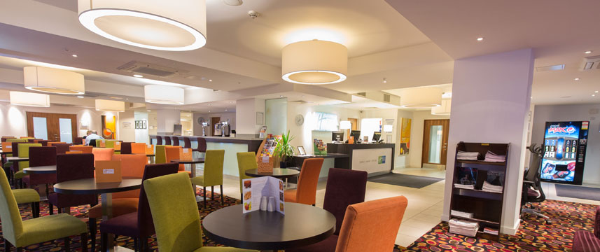 Holiday Inn Express Birmingham South A45 - Dining Room