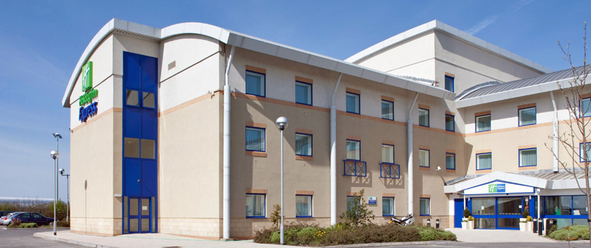 Holiday Inn Express Cardiff Airport - Exterior