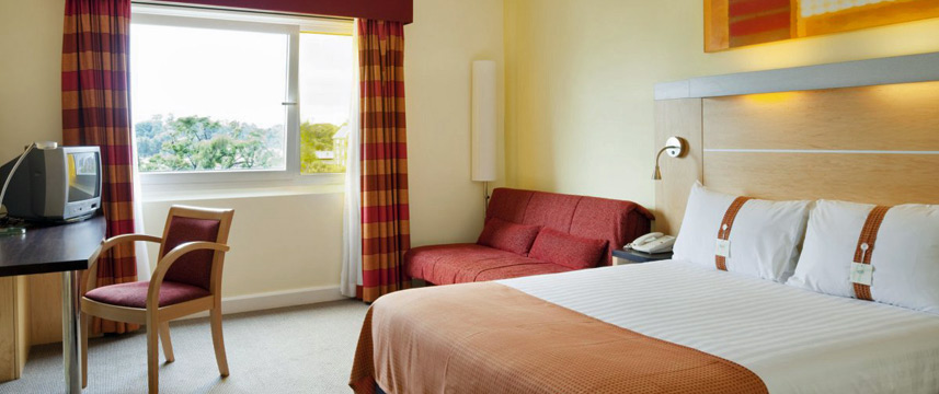 Holiday Inn Express Chester Racecourse - Bedroom