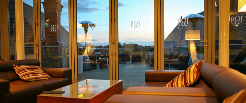 Holiday Inn Express Chester Racecourse - Rooftop Bar