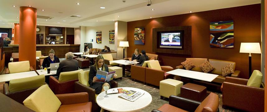 Holiday Inn Express Dublin Airport - Bar Seating