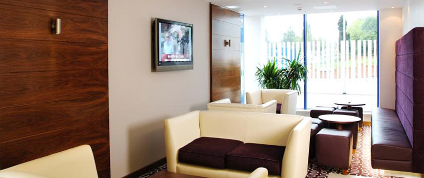 Holiday Inn Express Golders Green Lounge