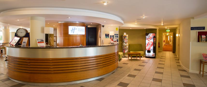 Holiday Inn Express Liverpool Knowsley Lobby