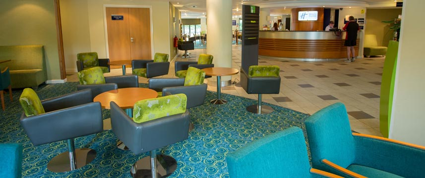 Holiday Inn Express Liverpool Knowsley Lobby Lounge